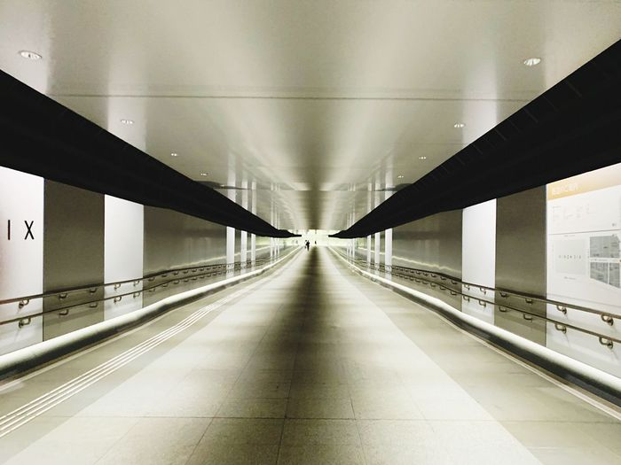 to ginza six road Ginzasix Direction Transportation vanishing point Indoors  No People Railing Travel Ceiling Empty