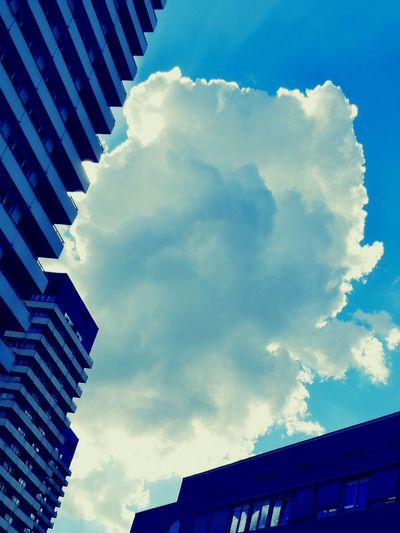 Clouds And Sky Wolken Clouds Sky And Clouds Sky_collection Taking Photos Just Chillin' Just Taking Pictures Hallo World Hello ❤ Hello World ✌ Architecture Building Exterior Built Structure Low Angle View City Sky Tall - High Cloud - Sky Office Building Building Story Skyscraper Cloud Day Outdoors