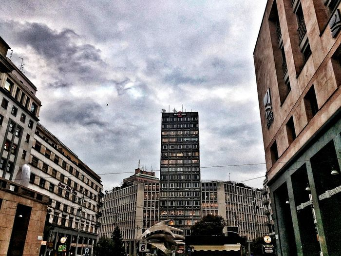 Piazza Diaz, Milano, Marzo 2018 Hdr_Collection Sky And Clouds City Skyscraper Cityscape Architecture Building Exterior Built Structure