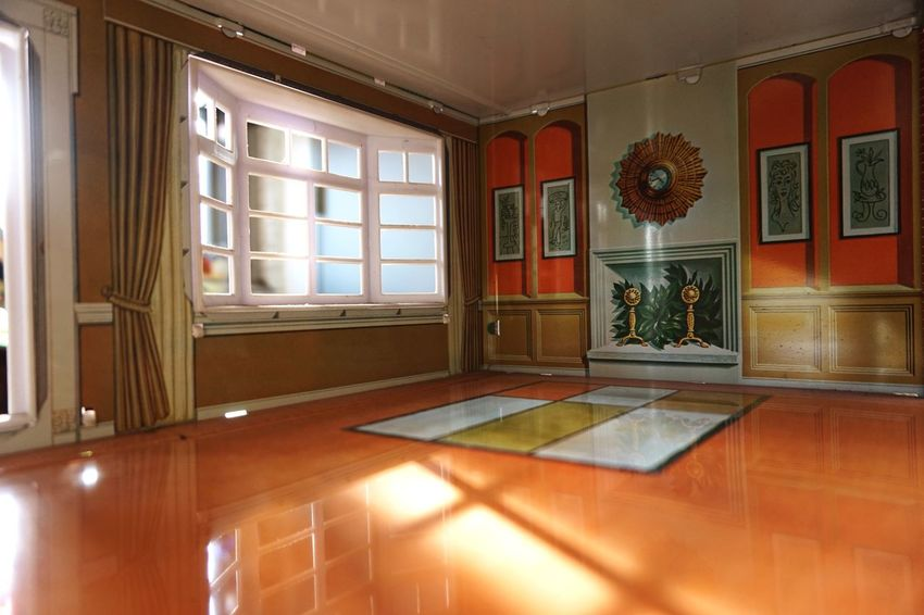 No People Home Interior Sonyalpha5000 Living Room Bay Window Light Through The Window Interior Views Miniature Rethink Things See The Light The Still Life Photographer - 2018 EyeEm Awards