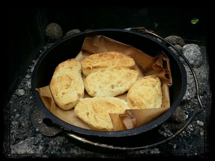 Tasty bannocks Dutch-oven Cooking