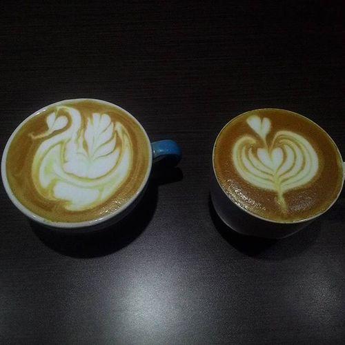 order Caffèlatte & Cappuccino Latteart Latteartporn Baristaproblems Baristaporn Barista Baristalife PracticeMakesPerfect Ngopisore Kopikankudus Kopinusantara☕ Kopisusu
