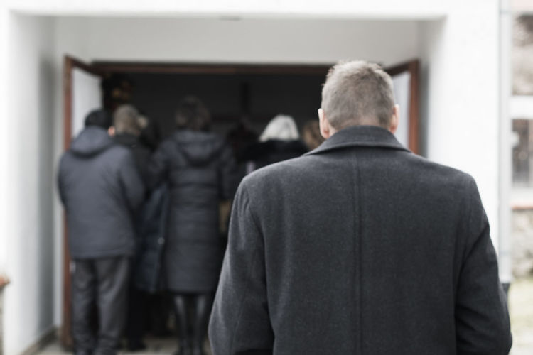 funeral Death Decease Deceased Funeral Funeral Ceremony Grief Mourning Relatives Sad Sadness