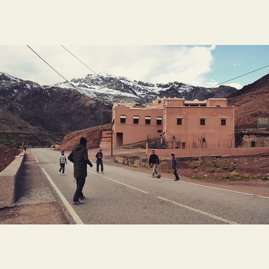 Soccer is indeed the international language. Photo taken in Morocco - Driving through the Atlas Mountains - December 2014. Atlas Morocco Marrakesh Kids Soccer Universallanguage Keepexploring Travel Travelafrica Northernafrica Sahara Explore Backpacking Winter Road Mountains Mountainroads Atlasmountains Hiking Marrocos Viajante Mochileiro