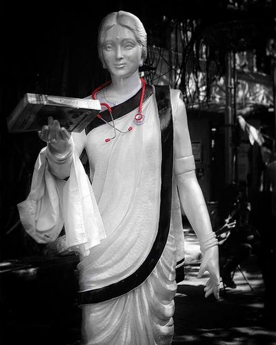 Sculpture Dualtone Minimal Colorsplash AnandiGopalJoshi 1stLadyDoctor Kalaghoda Kalaghodafestival Mumbai India Retrospective