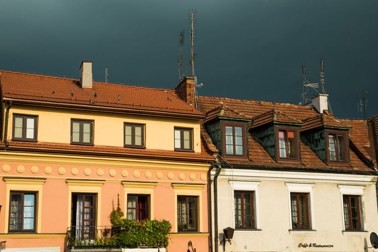 #Poland #stormyday Architecture Building Built Structure No People Sky Tenementhouse Window