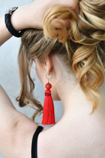 Hair One Person Women Hairstyle Young Adult Blond Hair Adult Real People Jewelry Young Women Leisure Activity Lifestyles Long Hair Fashion Human Body Part Rear View Close-up Hand Human Hair Beautiful Woman Fashion Fashion Model Ear Rings