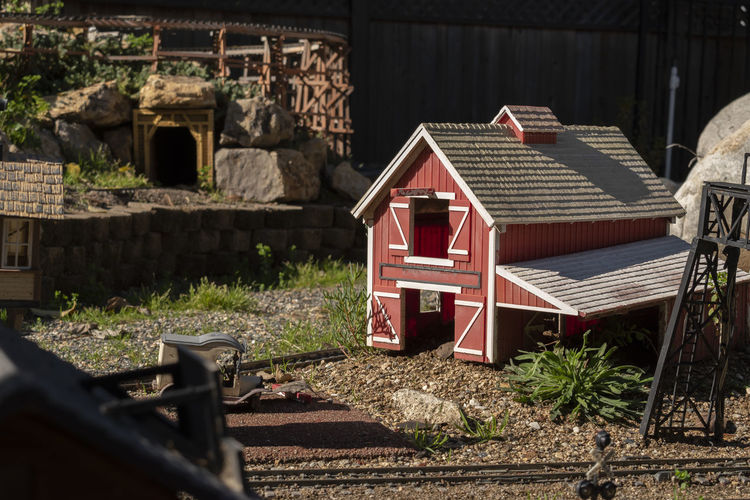 Red Barn Train