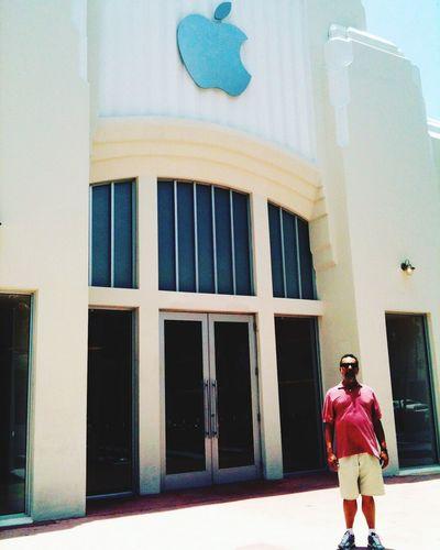 Apple Lincoln Road USA Miami EyeEm Team City Taking Photos Miami FL Usa 🇺🇸☀️