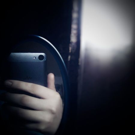 Wiko Wiko Jerry Selfie ✌ Mirror Reflection Selfie Close-up Smartphonephotography Reflection Noontime  Human Hand Window Lighting Home Curtains Noontime  Human Body Part Smart Phone Window Mirror Selfies