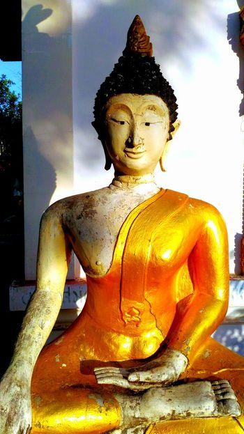 Buddha on koh larn, Thai buddha