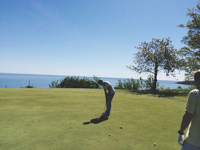 Idag spelade jag en jävla massa golf. Borgarbandy ärjuettproffsförfan 39poäng Oscarfick23 Pin Ingetmedtätstridenochgöra Somjaghar Imorgonvinnerjag LindwallOpen2K5ton