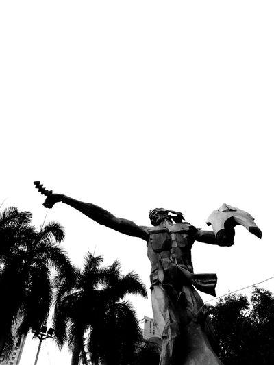 Sulayman's Battlecry History Philippine History Statue Sculpture Rajah Sulayman Filipino HERO Manila Manila, Philippines Roxas Boulevard Filipinos Kasaysayan EyeEmNewHere Black And White