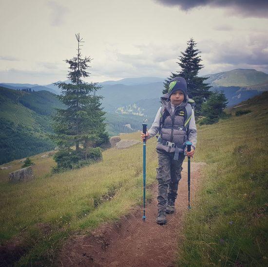 Hiking Full