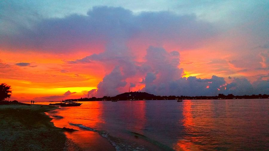 INDONESIA Gili Meno Island Gili Islands Photography Colorful Beautiful Place March 2016 Islandhopping EyeEm Best Shots EyeEm Gallery Indonesia_photography Share Your Adventure Evening Sky Evening Sky Skyporn Sky_collection Red Sky