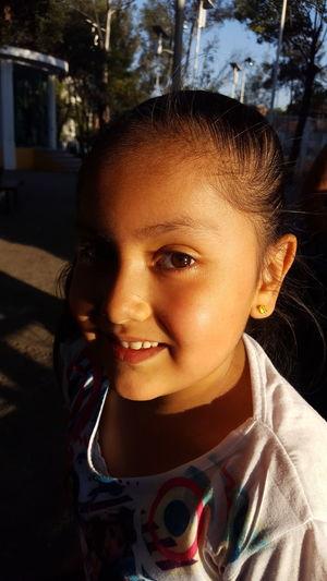 Atardecer Sun Sunny Afrernoon Boys Hazel Eyes  Playground Eyeball Iris - Eye Eyelash Outdoor Play Equipment Protruding
