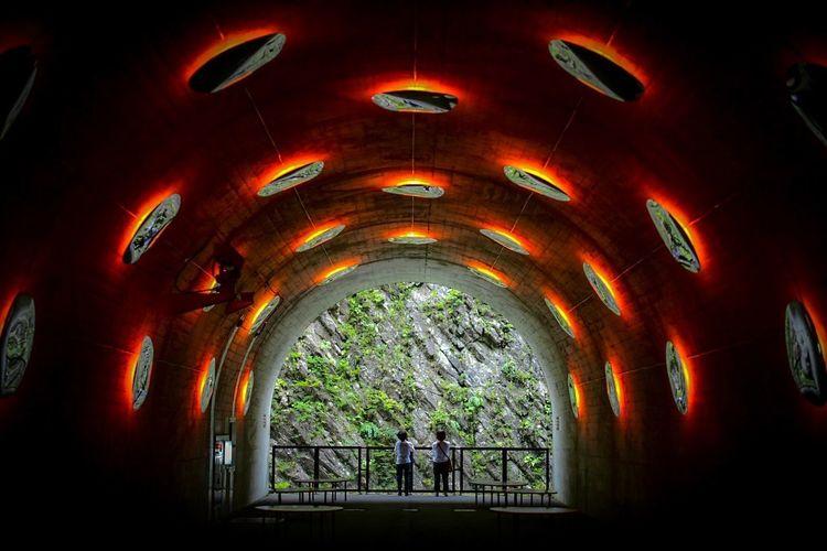 不思議なtunnel。 UFO Architecture Indoors  Built Structure Window Illuminated Place Of Worship Ceiling Arch Lighting Equipment Pattern