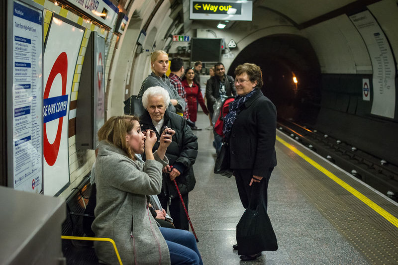 Memories Age Candid Candid Photography Eye4photography  EyeEm Best Shots EyeEmBestPics London London_tube Makeup People People Watching Streetphoto Streetphoto_color Streetphotography The EyeEm Facebook Cover Challenge Underground