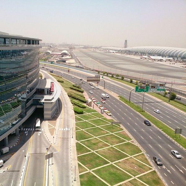Dubaiairport Dubai UAE Hz339 دبي الإمارات مطار