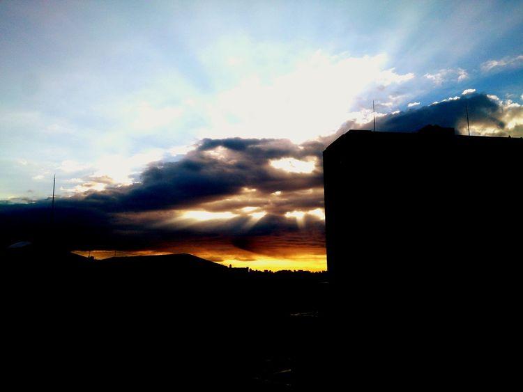 天使の梯子 Crepuscular Rays