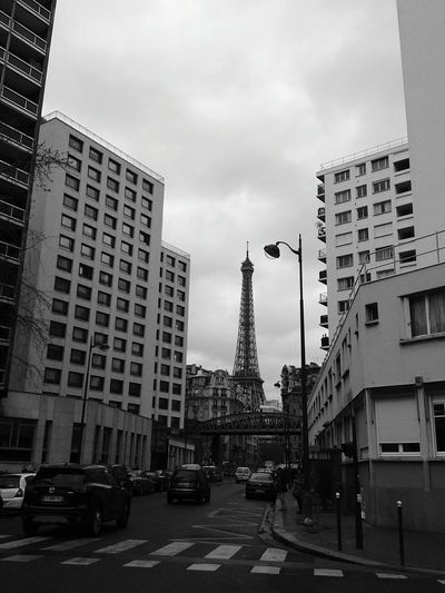 BLACK WHITE (PARIS - FRANCE) Building Exterior Travel Destinations City Street Travel City Outdoors Cloud - Sky Architecture EyeEmNewHere Eiffel Tower France🇫🇷 Paris Downtown District Between Buildings