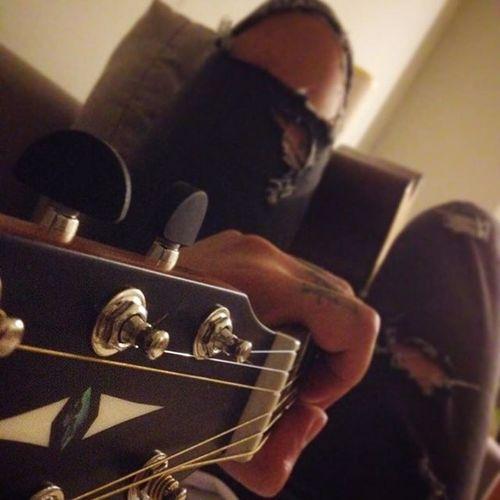 Having a good time with you .. Jreeeng jreeeng 🎸🎸📷😘😘 Guitarporn Fvckmyguitar Like4like Night