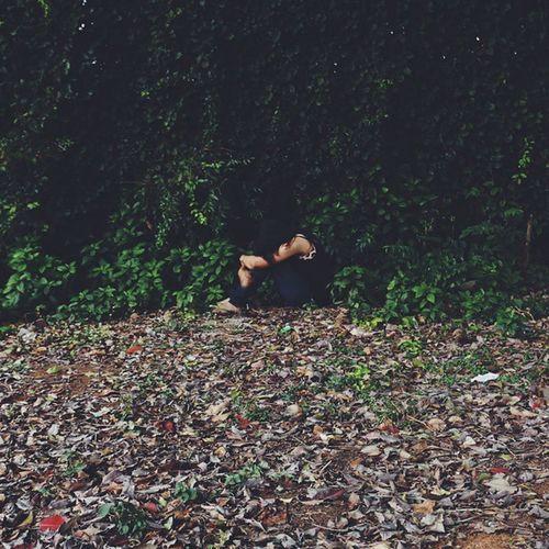 Inhibited Vscocam VSCO Vscofilter Vscophile Vscogood Vscodaily Girl Portrait Makeportrait Woods Dark Eery Half Deadleavesandthedirtyground Alone Lalbhag Minimalism Learnminimalism Igers Igersoftheday IGDaily Onephotoaday