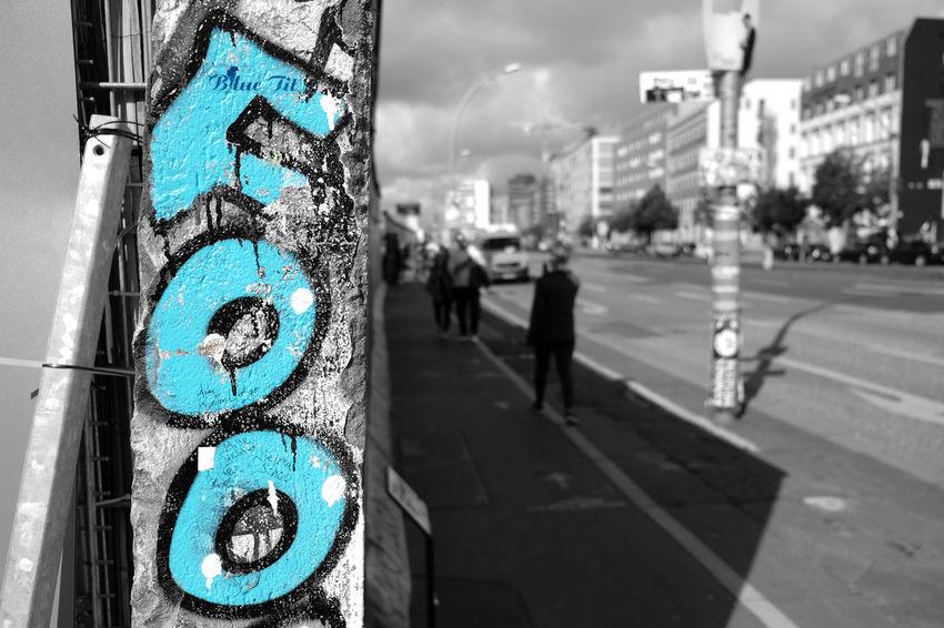 Berlin Berlin Photography Berlin Streetart Berlin Wall Architecture Berliner Ansichten Black And White Blackandwhite Blue Building Exterior Built Structure City Close-up Day Discover Berlin Germany Outdoors Street Street Photography Streetphotography