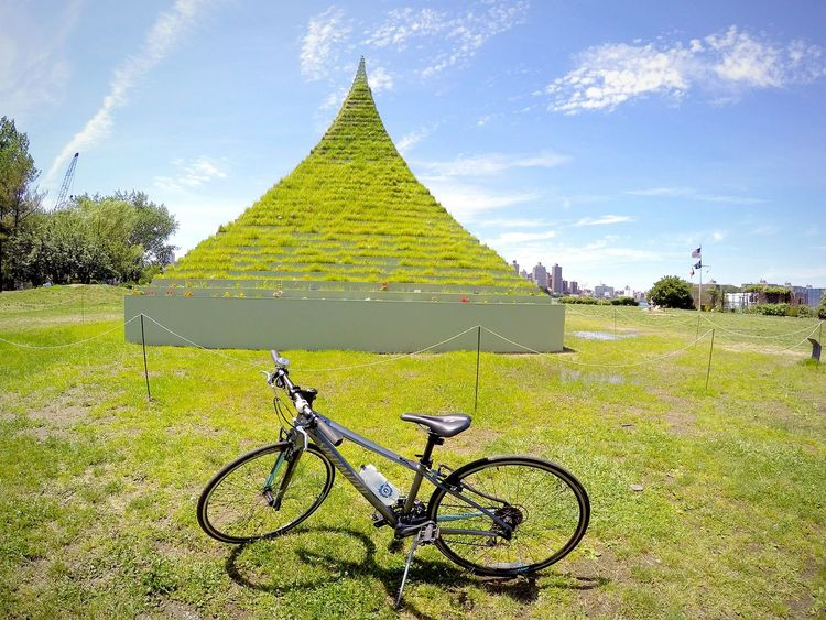Sculpture Art Life Of Pyramid Biking Queenstour