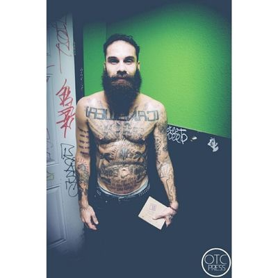 Post show madness portrait with our bud Jason // Letlive. Every single time we meet up with the guys here its a blast. Such energy...its nuts. Glad i got to see and shoot them once more before the year ended. Insane show. #letlive #jasonbutler #jason#otcpress #tattoos #beard #perfectbeard #lol #letliveperiod #otclyfe #epphotography #anaheim #greenroom #chill #nice #chillin #pudding