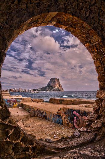 Beauty In Nature Cala Manzanera Calpe Alicante España Coastline Perspective Peñon Ifach Rock Rock Formation Sea