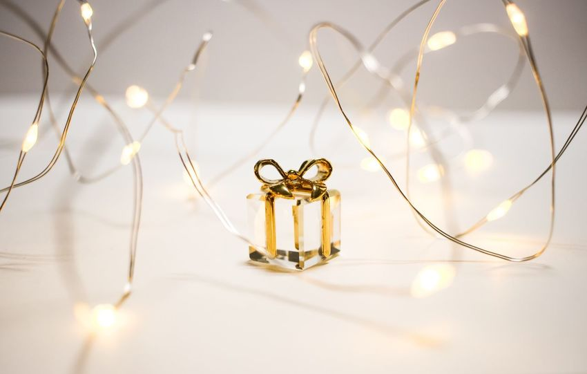 Let glow ....Let it glow... ✨✨✨✨✨✨✨ Gold Colored Jewelry Gold Illuminated Luxury Bokeh Background Necklace Jewelrydesigner Crystal Photography Fashion Photography Accesories Design Lifestyles Finger Ring LED Pendant Ribbon Love Golden Moment Light Gold Jewellery Bokeh Fashion
