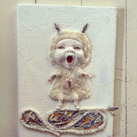 Doll Dollart Docka Dockor Collage måler Art Konst Blandteknik