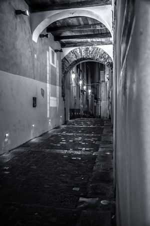 LE STRADE DEL CENTRO STORICO Architecture Built Structure Day Illuminated Indoors  No People Storic Center EyeEm Selects EyeEmNewHere EyeEm Gallery EyeEm Best Shots - Black + White The Week On EyeEm Your Ticket To Europe #urbanana: The Urban Playground