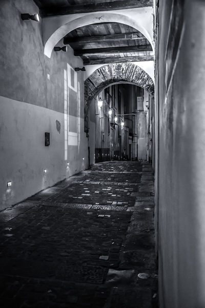 LE STRADE DEL CENTRO STORICO Architecture Built Structure Day Illuminated Indoors  No People Storic Center EyeEm Selects EyeEmNewHere EyeEm Gallery EyeEm Best Shots - Black + White The Week On EyeEm Your Ticket To Europe #urbanana: The Urban Playground A New Perspective On Life