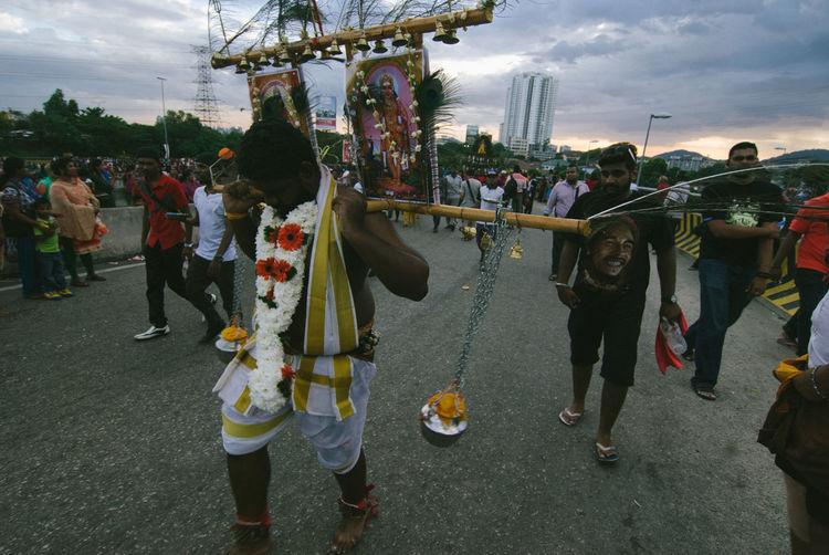 Kavadi Culture Cultures Enjoyment Fun Hanging Hindu Hindu Culture Hindu Gods Hindu Temple Hinduism Holding Kavadi Lifestyles Real People Recreational Pursuit Rope Standing Swing Thaipusam Thaipusam2016