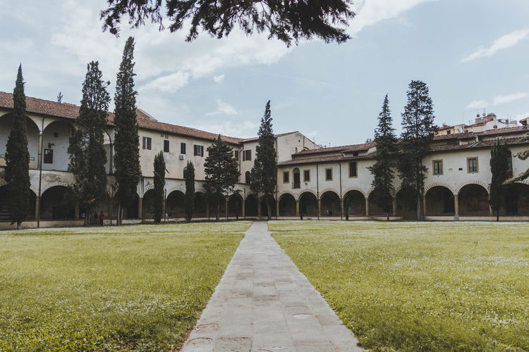 IA Italia Arch Architecture Building Building Exterior Built Structure Cloud - Sky Day Florence Footpath Grass History Lawn Nature No People Outdoors Plant Religion Sky Spirituality The Past Tree