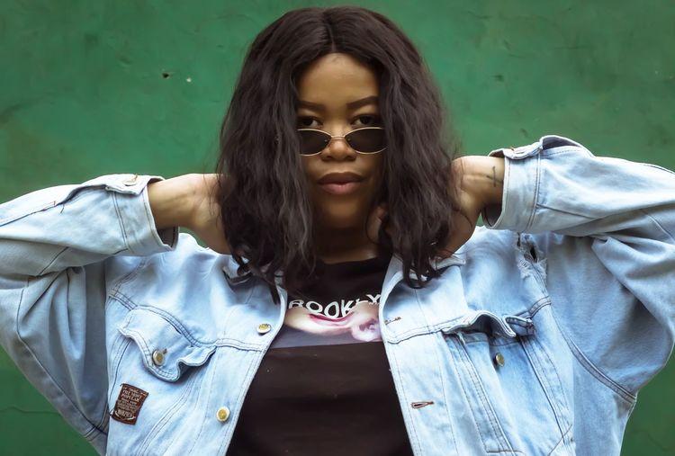 Zee Tenniscourt Green Color Eyemphotography EyeEm Best Shots EyeEm Selects African African Beauty Woman Portrait Woman Young Women Portrait Beautiful Woman Beauty Long Hair Front View Headshot Females Close-up Casual Clothing Human Lips