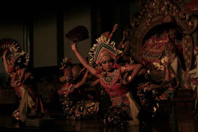 legong dance ,