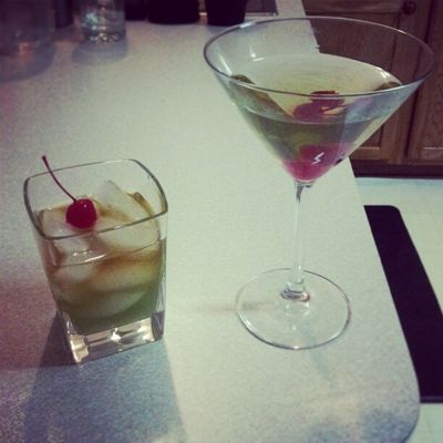 IncredibleHulk on the left Applemartini on the right :) Enjoying our drinks with @littlemissrach27 Weekend Funtimes