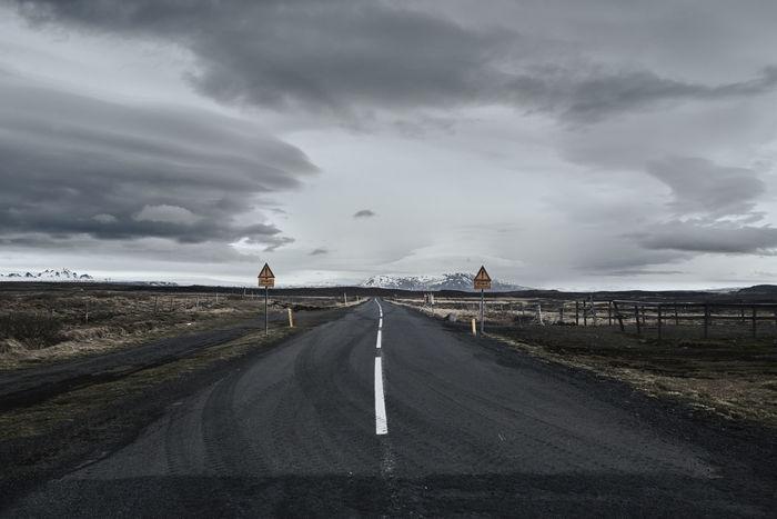 #Mountain #Road #clouds  #fujifilm #greysky #iceland #roadtrip #snow #symetry #trip #way Landscape Landscape_photography