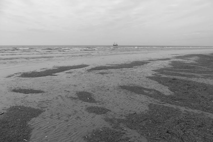 Sea Sky Beach Land Water Horizon Over Water Horizon Scenics - Nature Tranquility Sand Low Tide Outdoors Non-urban Scene Cloud - Sky North Sea Ship