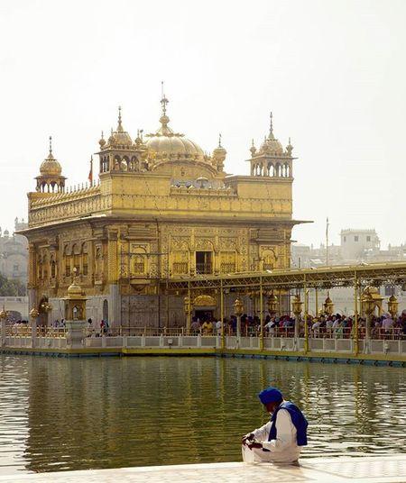 Goldentemple Harmandirsaheb Gurudwara Cantstopposting Blessed  Peaceful Bliss Amazingplace Travel Traveling Traveler LoveTravel Photography Photooftheday Amritsar Punjab Incrdibleindia Allindiaclicks Pictureoftheday