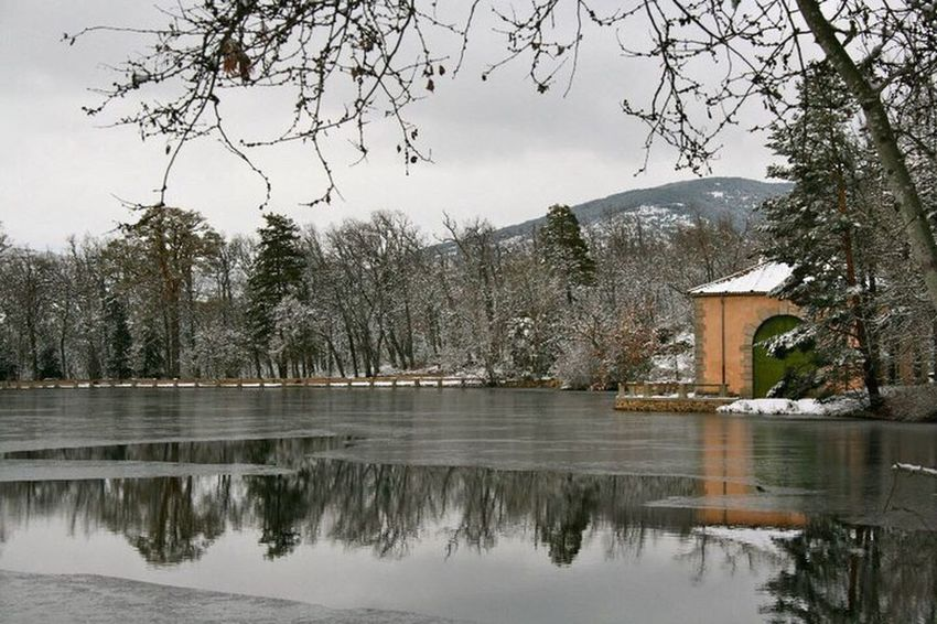 La Granja De San Ildefonso - Segovia Reflection Snow Nieve Canon400d Canonphotography Winter Water Ice Canon Beauty In Nature Nature Lake