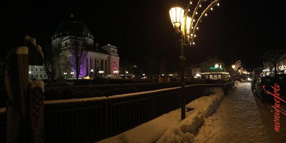 Auf dem Weg zum Weihnachtsmarkt in St. Blasien gestern Abend 💕💓 Hochschwarzwald Schneelandschaft Kalt Weihnachtsmarkt Night Illuminated Built Structure