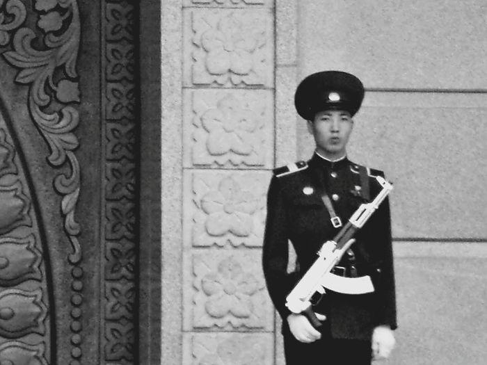 Soldado Corea Norte Hello World Monochrome Blackandwhitephotography Black And White Hi! Pyongyang Asian Culture Cytywordwide