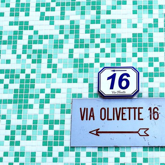 Nobody needs a sad wall 🙌 Facade Colours Brick Wall From My Point Of View See What I See BYOPaper! EyeEm Gallery Taking Photos Italianeography Eyeemphotography Liguria - Riviera Di Ponente Italia Minimalmood Inspiration Is Every Where Mindtheminimal Neighbourhoodnumbers Typographyinspired Italianstreetphotography Facadelovers Façadeporn Wallporn Seeking Inspiration EyeEmItaly Architecture_collection Streetphotography Urban Geometry