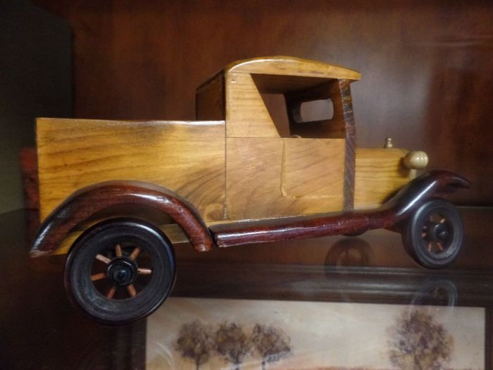 Wooden Truck Samsung Samsungphotography Transportation Mode Of Transportation Indoors  No People Land Vehicle Metal Toy