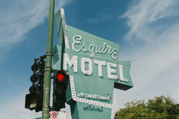 Chicago Cloud - Sky Communication Day Green Color Low Angle View Motel No People Oldsign Outdoors Sign Sky Text