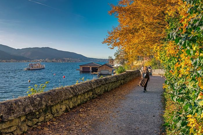 Lost In The Landscape Autumn Photographersseason Tegernsee Dontleafme Lostincolors Mywifa Magic Moments Bavaria Walk By The Lake Justenjoy